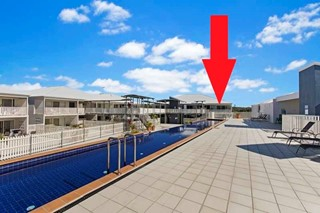 SUPER SPOT - LIVING ABOVE SHOPPING HUB OF CENTRAL COOLUM