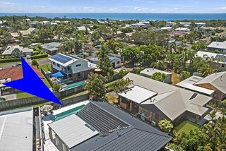 Family home by the beach - with heated pool!!