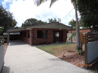 Neat & tidy house in the heart of Coolum