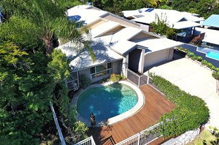 Family Home in Central Coolum - With Pool!!