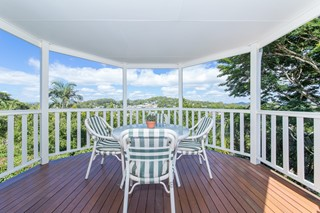 COOLUM BEACH FAMILY HOME WITH COUNTRY CHARM