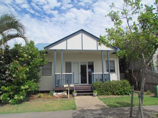 INVESTOR'S DELIGHT - IDYLLIC BEACH HOUSE WITH DUAL INCOME