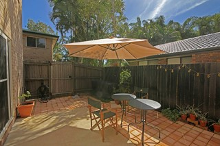TRENDY COOLUM TOWNHOUSE - RARE IN THIS MARKET
