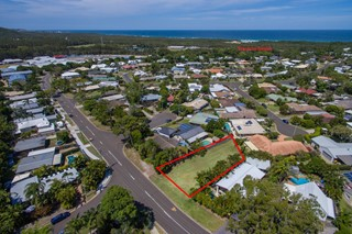 SCARCE CENTRAL COOLUM LAND – DESIGN & BUILD YOUR DREAM HOME HERE!