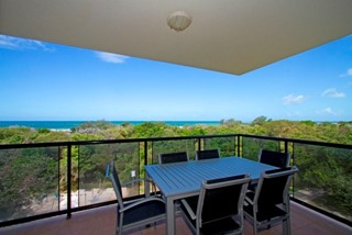 BEACHFRONT OCEAN VIEW 3 BEDROOM UNIT
