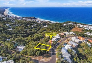 EXCLUSIVE VACANT SITE ON THE RIDGE WITH SEA VIEWS!